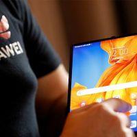 Yeni satışa çıkan Huawei Mate Xs Türkiye'de tükendi!