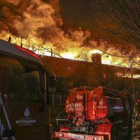 Zeytinburnu'nda iki fabrika yangını!