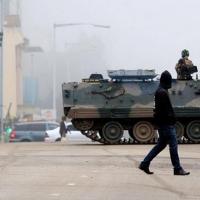 Zimbabwe'de Mugabe karşıtları meydanlarda