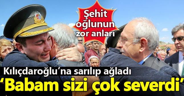 Şehidin oğlu Kılıçdaroğlu'na sarılıp ağladı