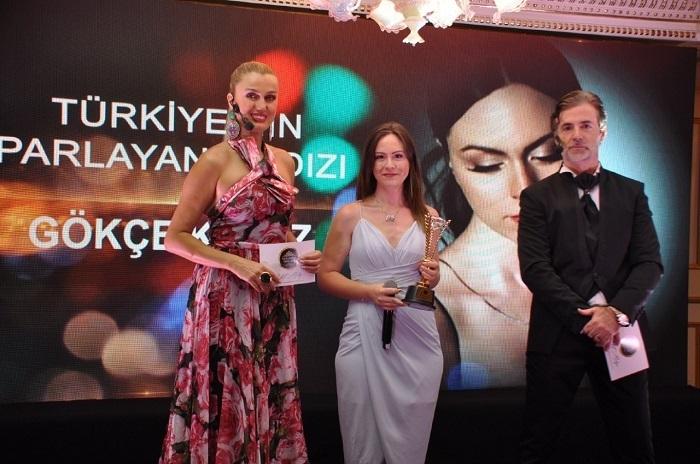 Alper Erözer, Irmak Arıcı, Gökçe Kırgız ve Bilal Göregen'e Ödül!