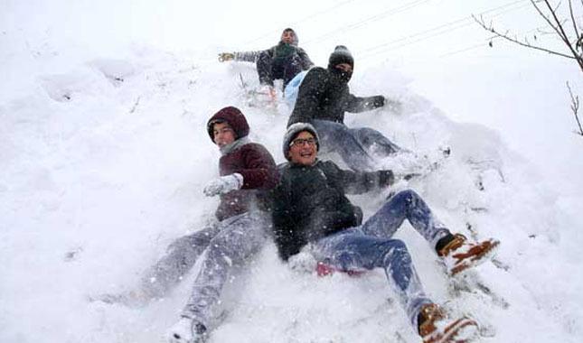 20 Aralık Okullar Tatil mi   İstanbul'da kar tatili verildi mi   Hangi illerde kar sebebiyle okullar tatil edildi