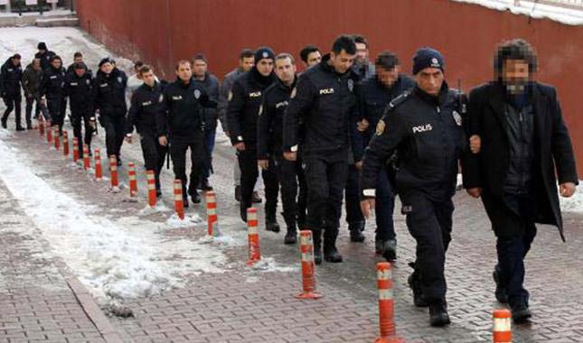 19 ilde FETÖ operasyonu: 23 asker gözaltında