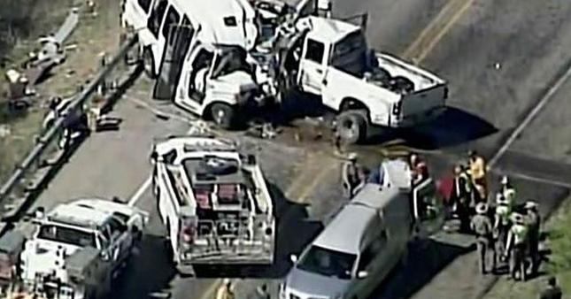 ABD'de katliam gibi kaza: 12 ölü, 3 yaralı