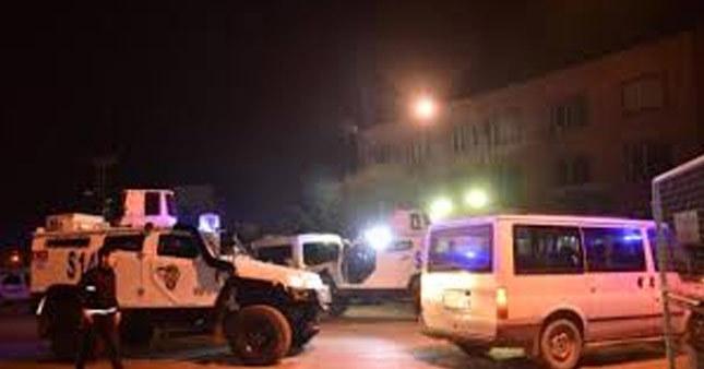 Adana'da polise hain saldırı