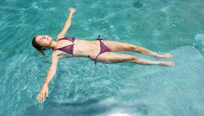 Adetliyken denize havuza girilir mi | Adetliyken denize girmek zararlı mı?