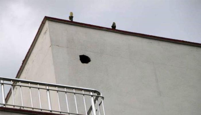 Adıyaman'da 3 katlı binaya yıldırım düştü