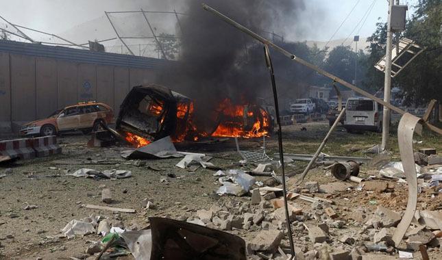 Afganistan'da stadyum yakınında büyük patlama