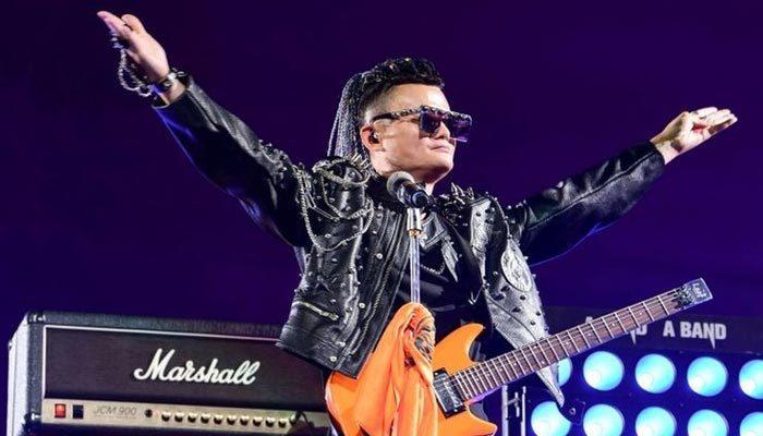 Alibaba'nın kurucusu rock konseriyle emekli oldu