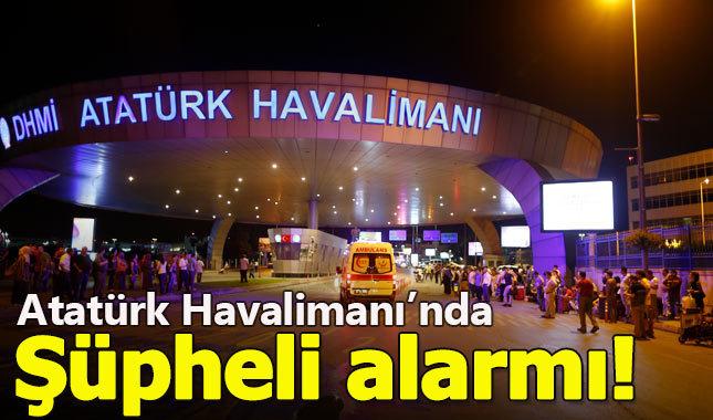 Atatürk Havalimanı'nda 2 şüpheli ortalığı birbirine kattı