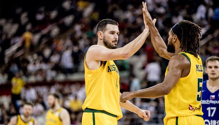 Avustralya son yarı finalist