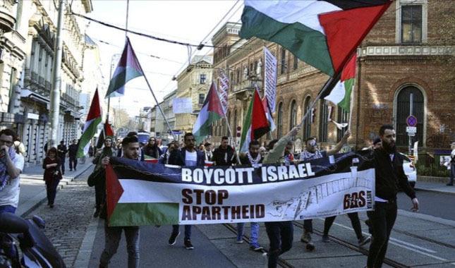 Avusturya'da ABD ve İsrail karşıtı gösteri