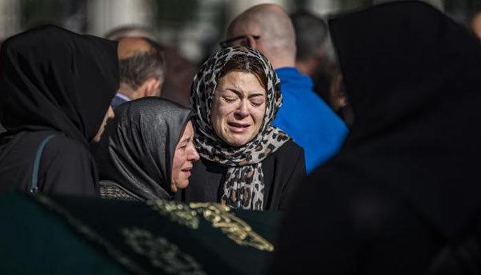 Bakırköy'de siyanürle ölen aile defnedildi