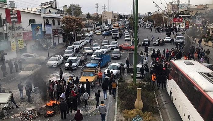 İran'da protestolarda 1000 gözaltı