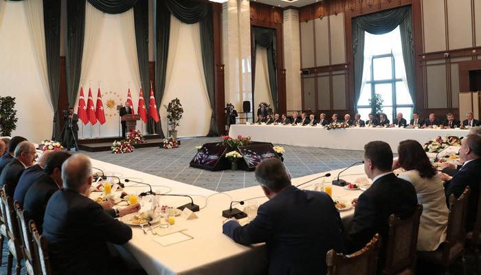 Beştepe'deki buluşmaya sadece bir başkan katılmadı