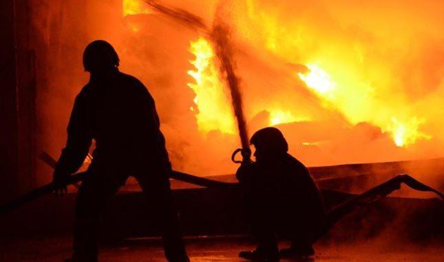 Beyoğlu'nda metruk binada yangın