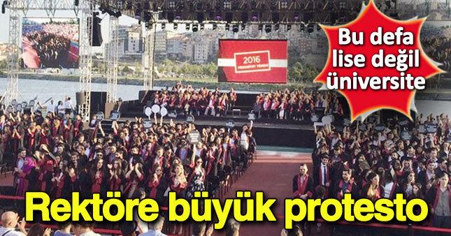 Bilgi Üniversitesi mezuniyet töreninde rektöre protesto