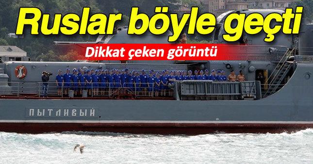 Boğaz'dan mavi üniformalı kadın askerlerle geçtiler