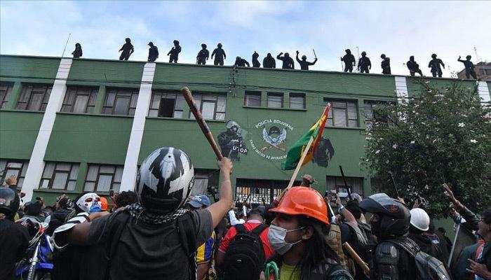 Bolivya'da eylemlere polisler de katıldı