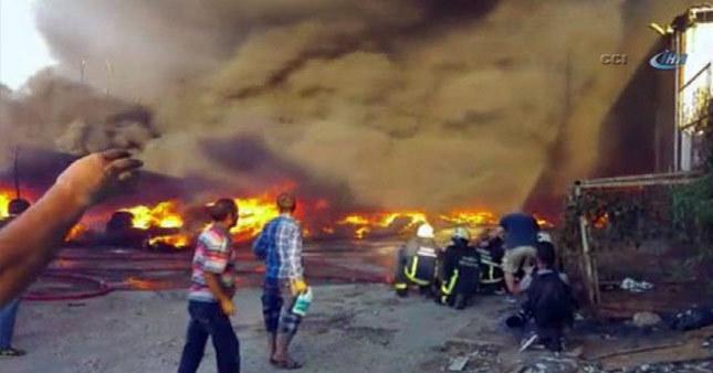 Bursa'da dev fabrikada yangın çıktı