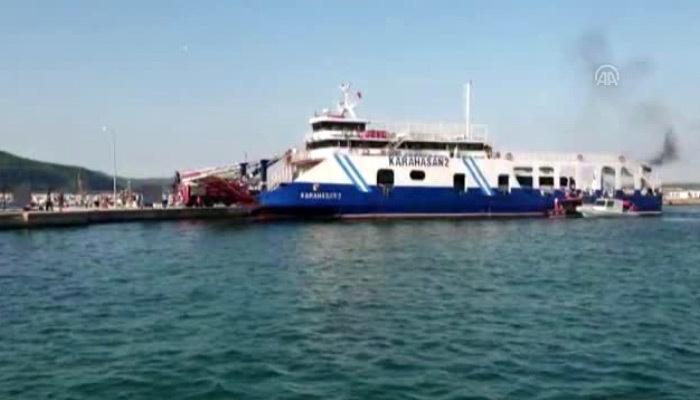 Çanakkale'de feribot yangını