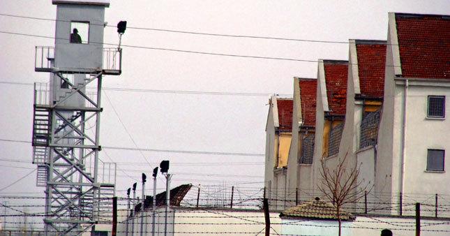Cezaevlerinden 30 bin kişi tahliye edildi