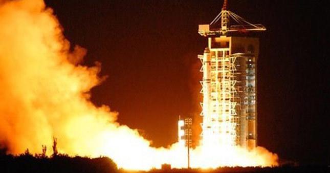Çin yeni uydusunu uzaya fırlattı