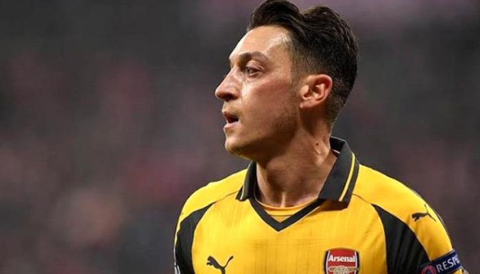 Çin'den skandal hamle! Mesut Özil'e yasak!