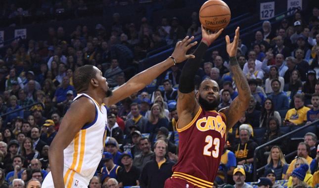 Golden State Warriors, NBA'de 5. kez şampiyonluğa ulaştı