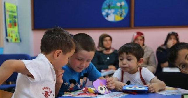 Çocuklar okula 4-5 yaşında başlayacak
