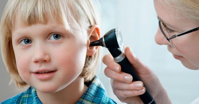 Enfeksiyon çocuklarda duyma sorununa neden oluyor