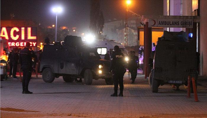 Çukurca'da yaralanan asker şehit oldu