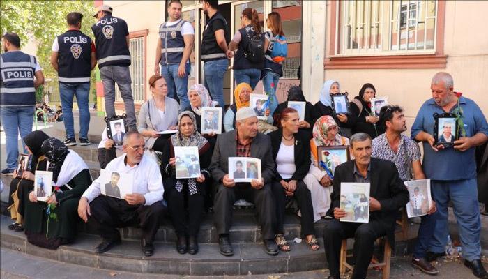 Diyarbakır annelerine İranlı 5 aile katıldı!