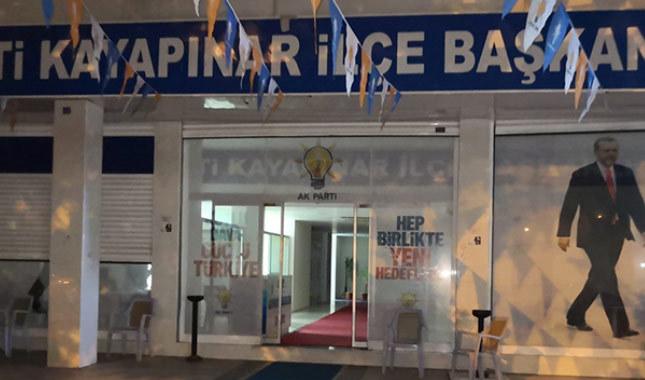 Diyarbakır'da AKP ilçe binasına saldırı