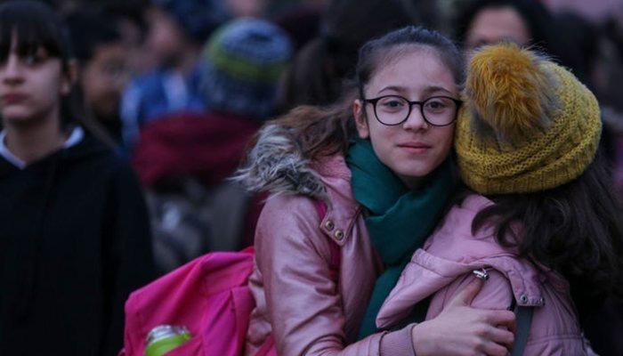 Elazığ'da depremden sonra ilk ders zili çaldı!