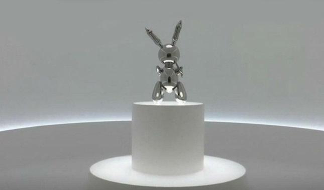 En pahalı eser 'Olmayan Tavşan' oldu