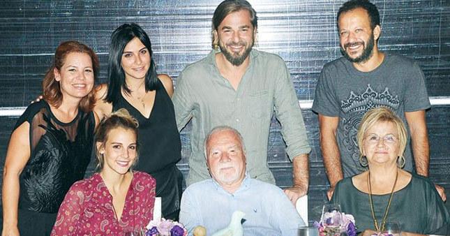 Engin Altan yeni yaşını partiyle kutladı
