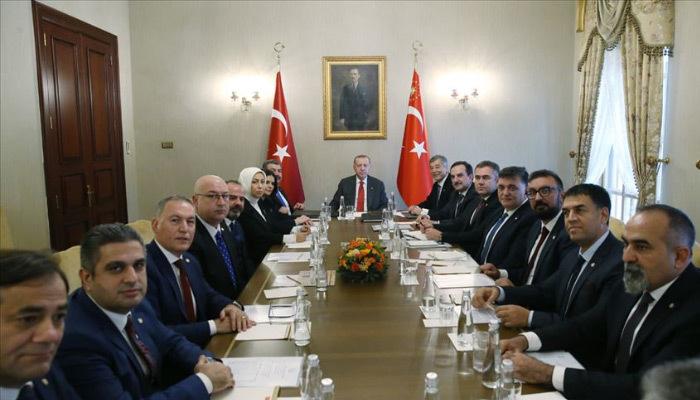 Erdoğan Türk Eczacıları Birliği Başkanı'nı kabul etti