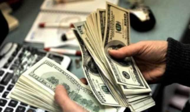 FED'in faiz kararı öncesi dolar yükselişe geçti