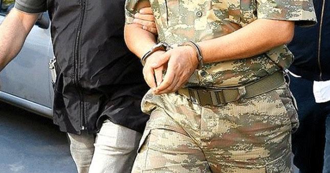 FETÖ'cü 3 asker tutuklandı