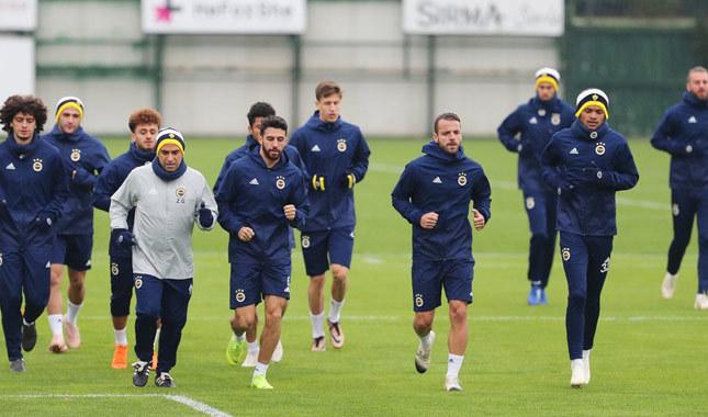 Fenerbahçe, Koeman yönetiminde Slovakya'ya gitti