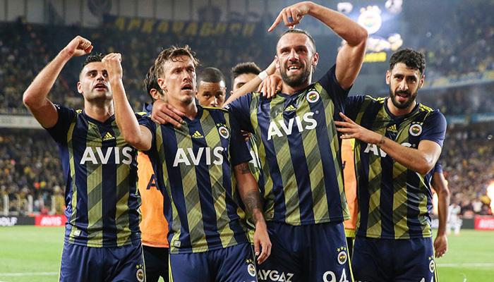 Fenerbahçe geriye düştüğü maçta kazanmayı bildi