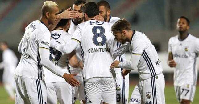 Fenerbahçe hazırlık maçında güldü