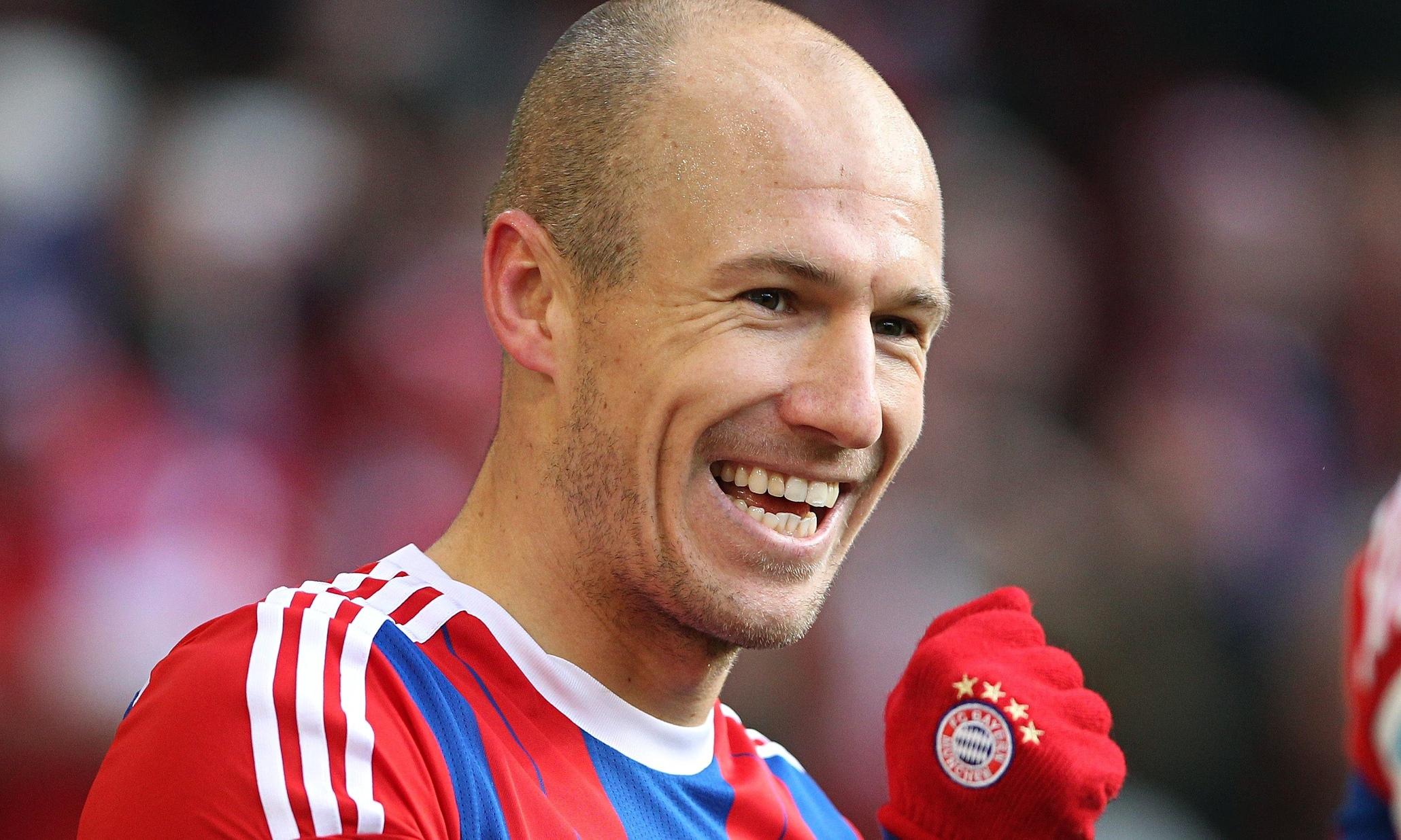 Fenerbahçe'de başkan Aziz Yıldırım Robben'in transferi için şartları zorlayacak