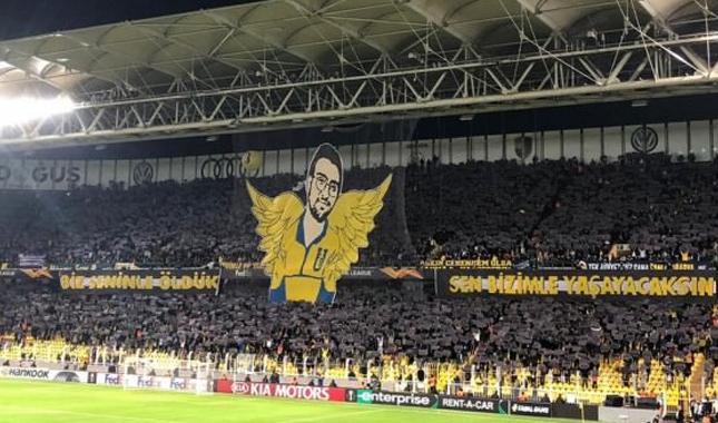 Fenerbahçe- Anderlecht maçında Koray Şener unutulmadı! Dev koreografi