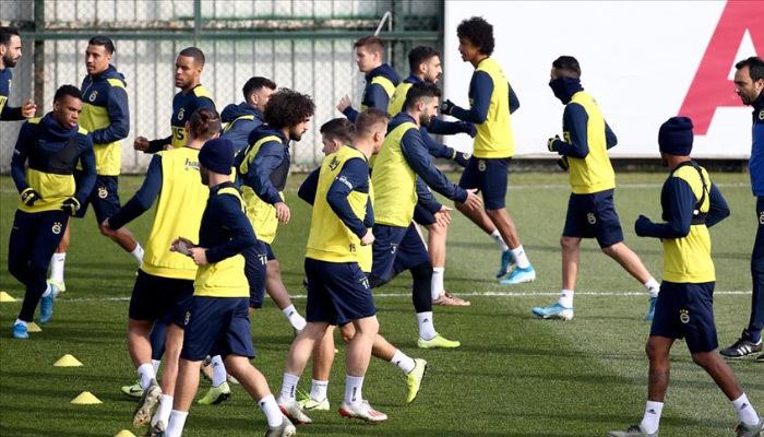 Fenerbahçe'nin Sivasspor kafilesi açıklandı