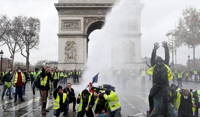 Fransa geri adım attı! Akaryakıt zamları iptal