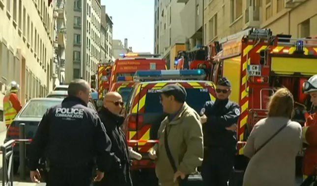 Fransa'da araç kalabalığa daldı: Yaralılar var