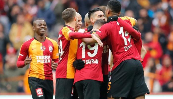 Galatasaray evinde yıldızlarıyla kükredi