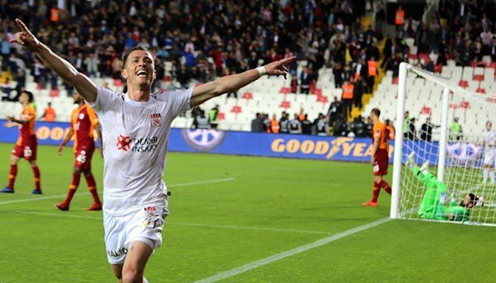 Galatasaray sezonu yenilgiyle kapadı